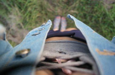džínové vesty