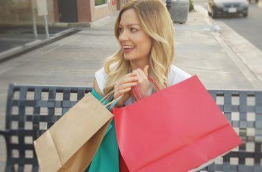 Ženy nakupují. Jakým konkrétním kouskům nyní podléhají?