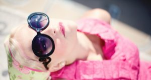 Vybíráme sluneční brýle dle tvaru obličeje