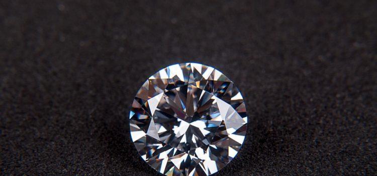 Darujete diamantové šperky? A víte, co diamant symbolizuje?