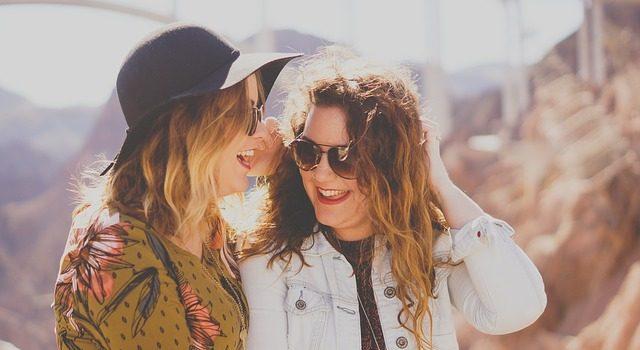 Proč nosit sluneční brýle? Nepodceňujte ochranu očí